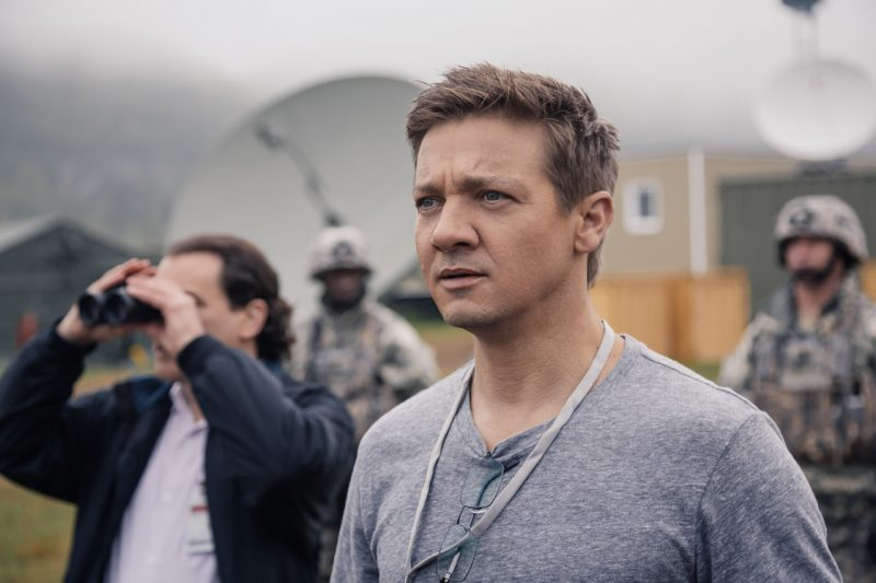 arrival movie review jeremy renner