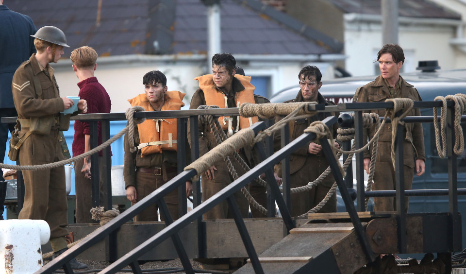 christopher nolan fans rejoice with early dunkirk release 2016 images