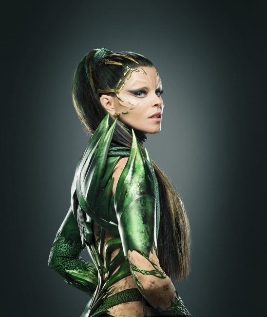 elizabeth banks power rangers repulsa shots