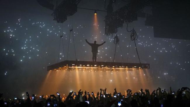 kanye west concert breakdown