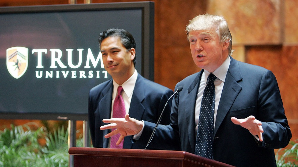 'Never settle' Donald Trump settles $25 million Trump University fraud lawsuit 2016 images