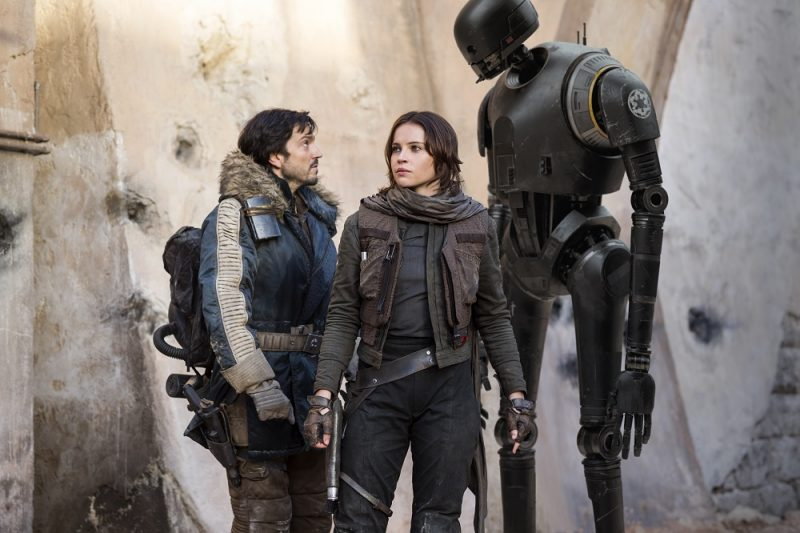 diego luna with felicity jones rogue one star wars images