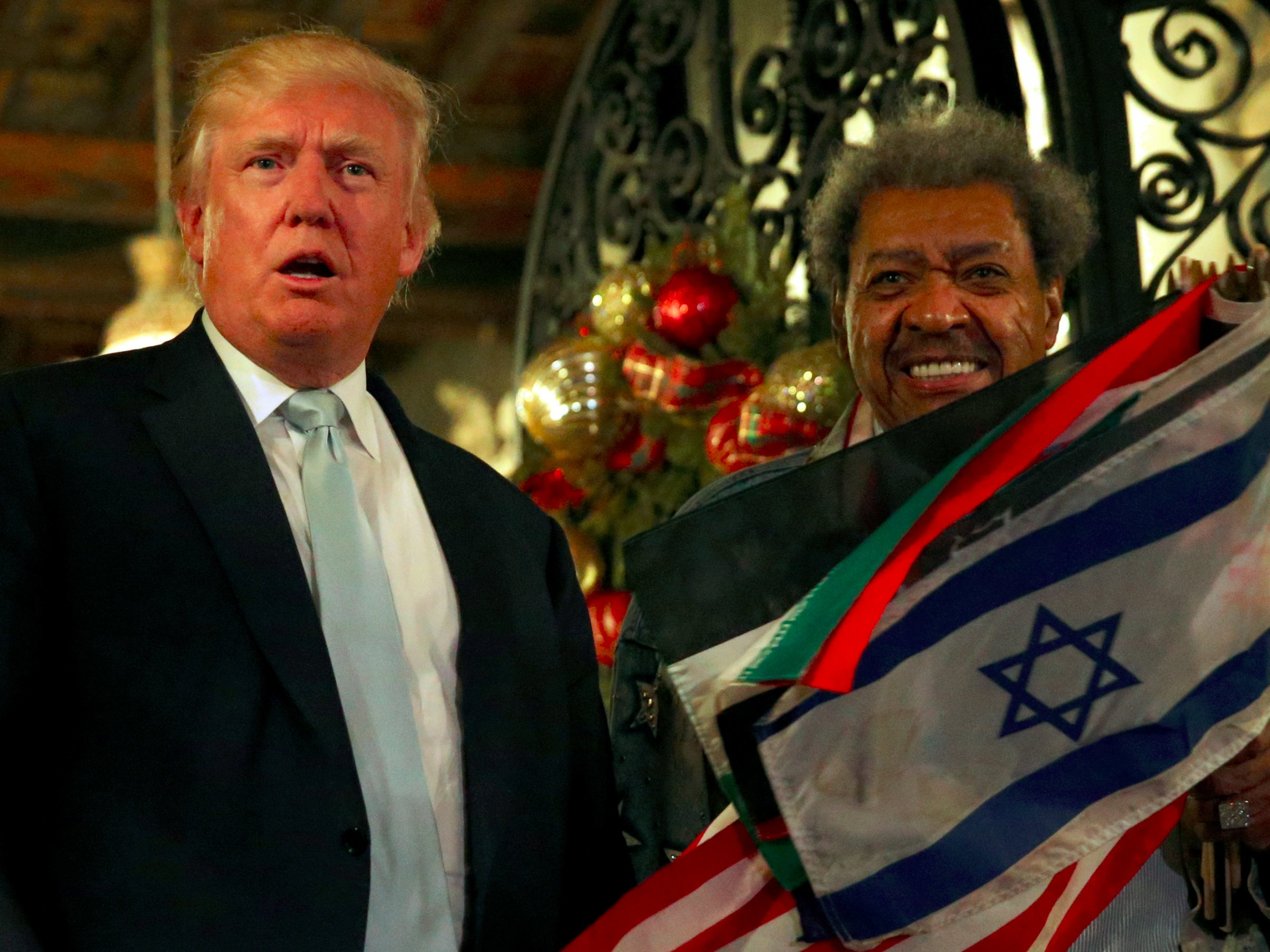 Donald Trump takes credit for jobs, gives press conference with Don King 2016 images