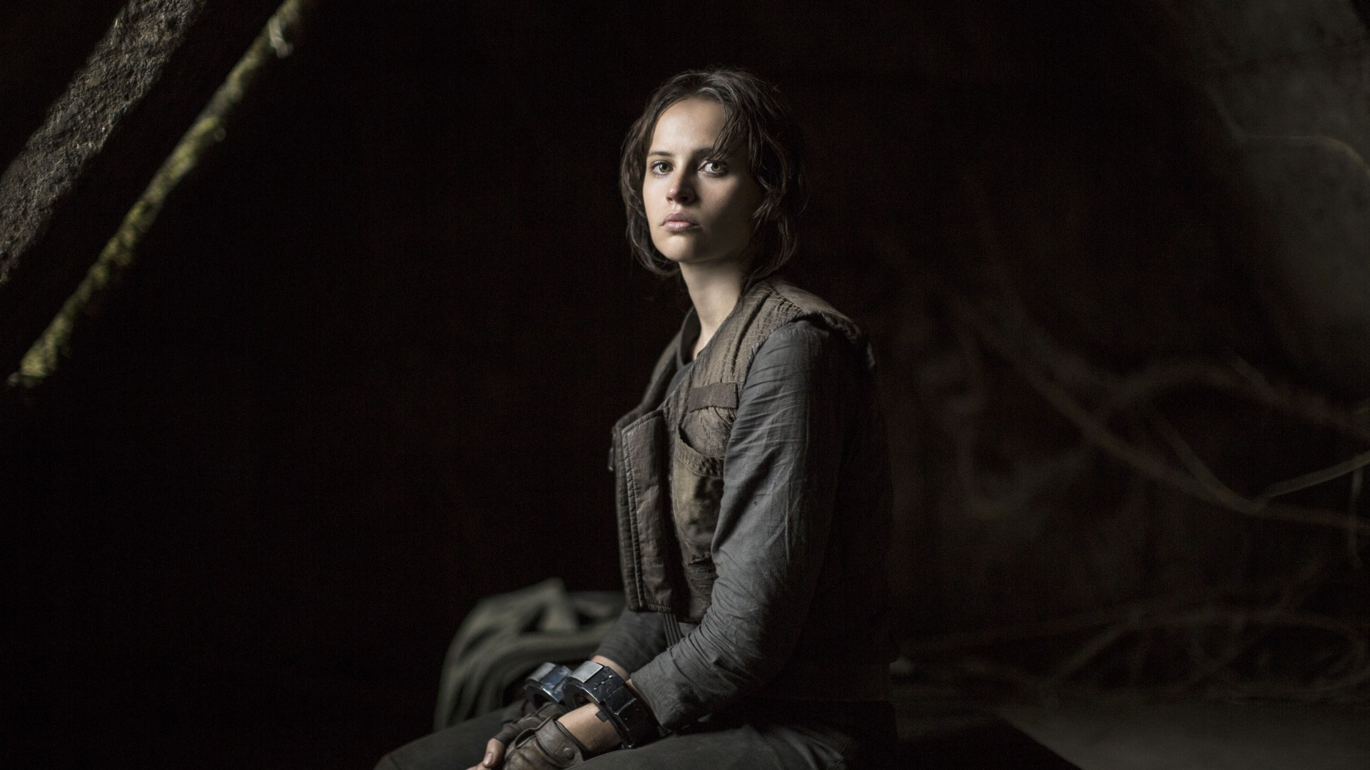 felicty jones in good star wars company for rogue on 2016 images