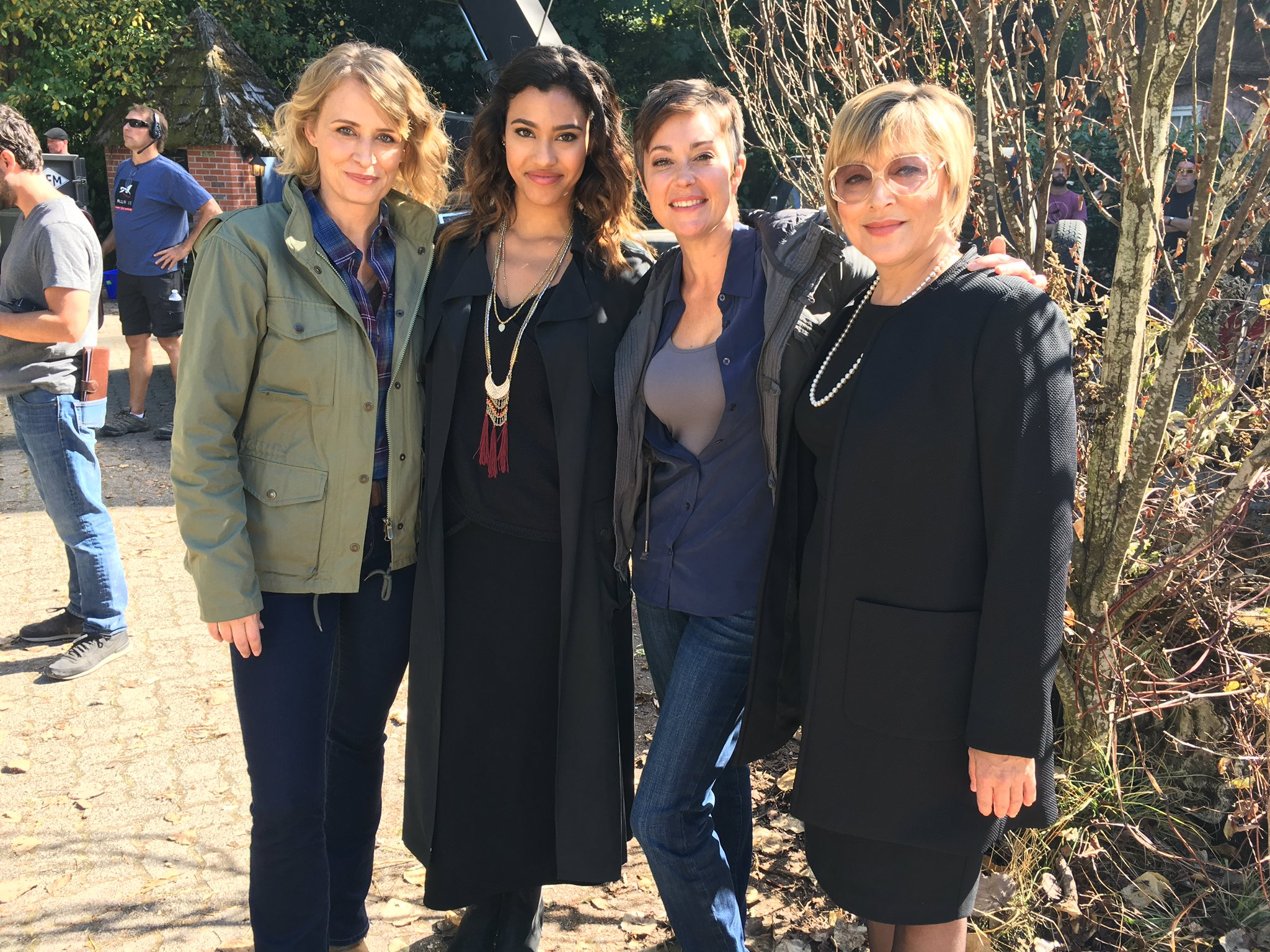 kara royster talks supernatural asa fox and pretty little liars 2016 images