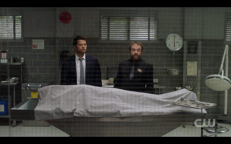 supernatural 1208 lotus cas with crowley morgue