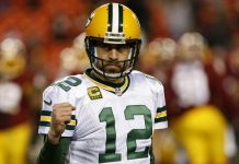 fear aaron rodgers and what hes packing 2017 images