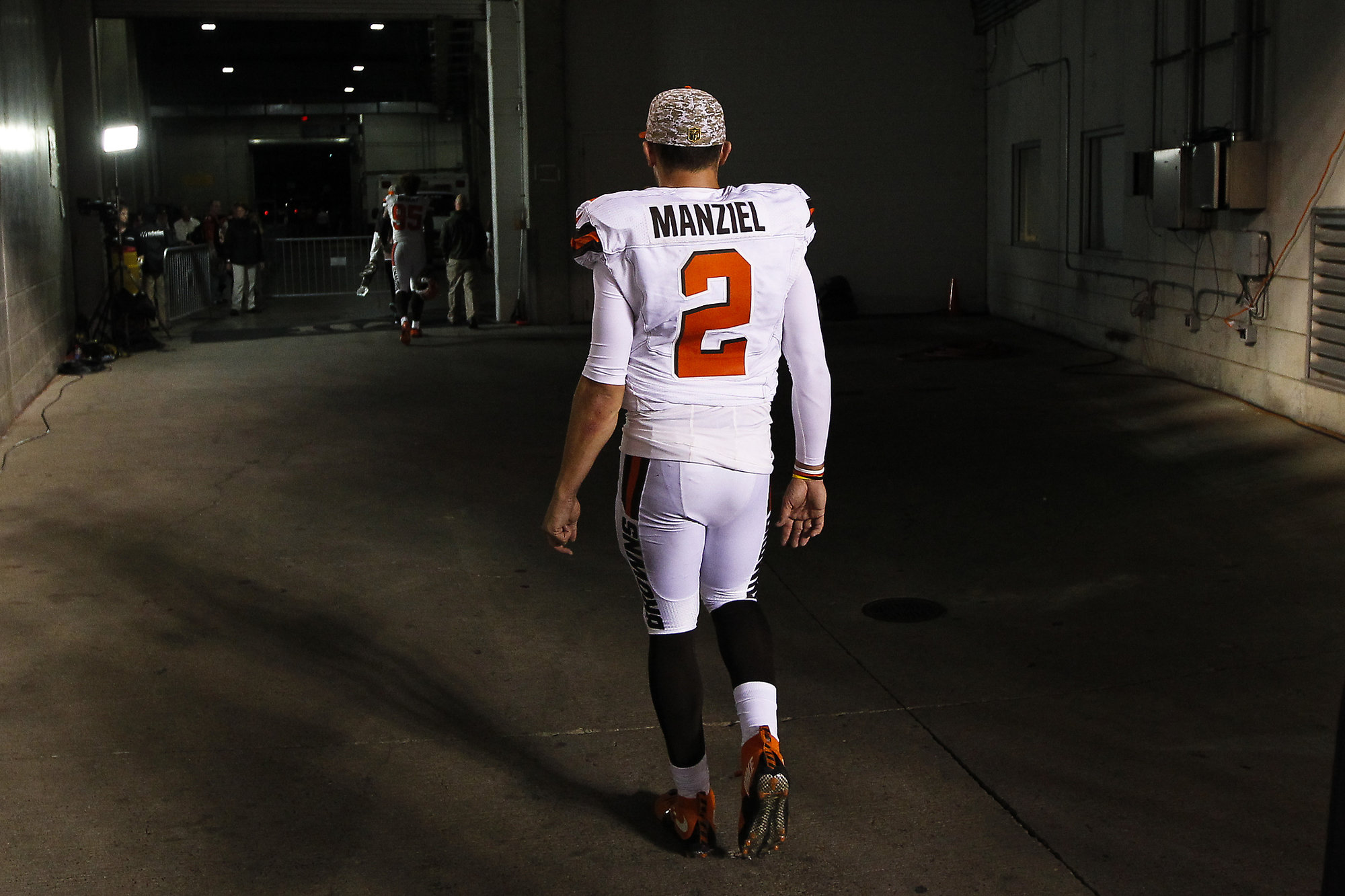 johnny manziel pushing for falcons vs patriots in super bowl 51 2017 images