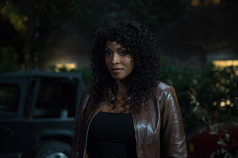 Lisa Berry talks 'Supernatural,' Billie and that Crowley relationship 2017 images