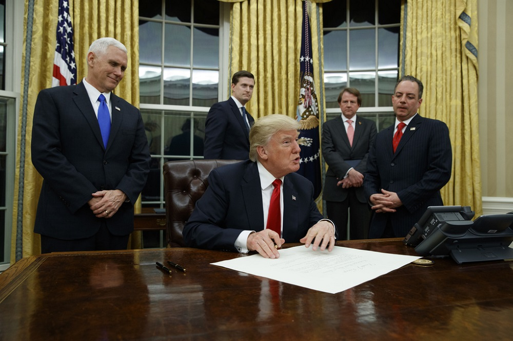 obamacare just how does donald trumps executive order affect it 2017 images