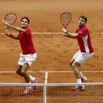 roger federer and stan wawrinka continue forward at australian open 2017