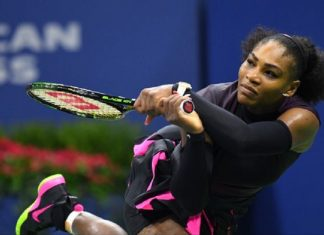 serena williams digs deep to hit australian open quarter finals 2017 images