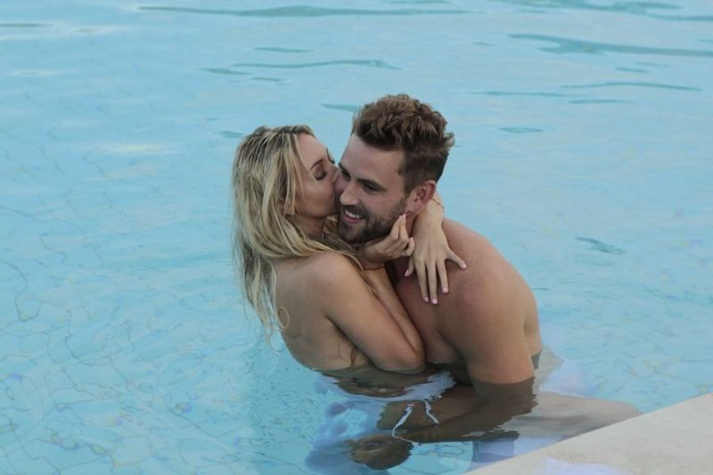 the bachelor corrine with nick viall bulge 2017