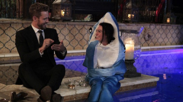 the bachelor season 21 nick viall with girls
