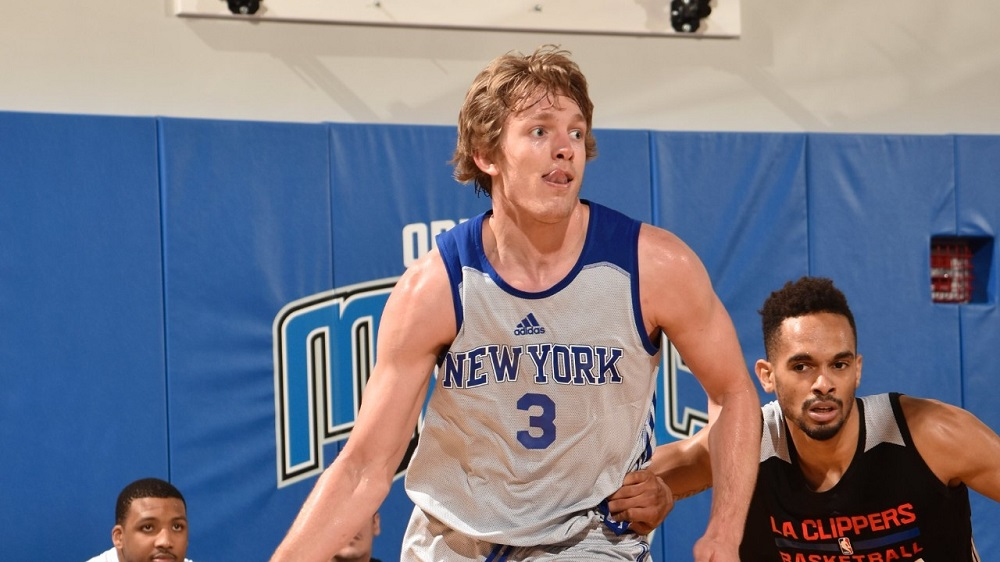 ron baker energizing new york knicks fan base 2017 images