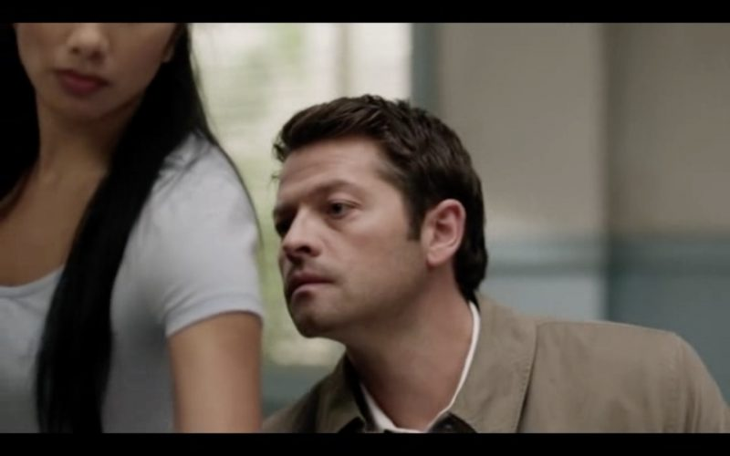 supernatural 1212 castiel smelling woman stuck in middle