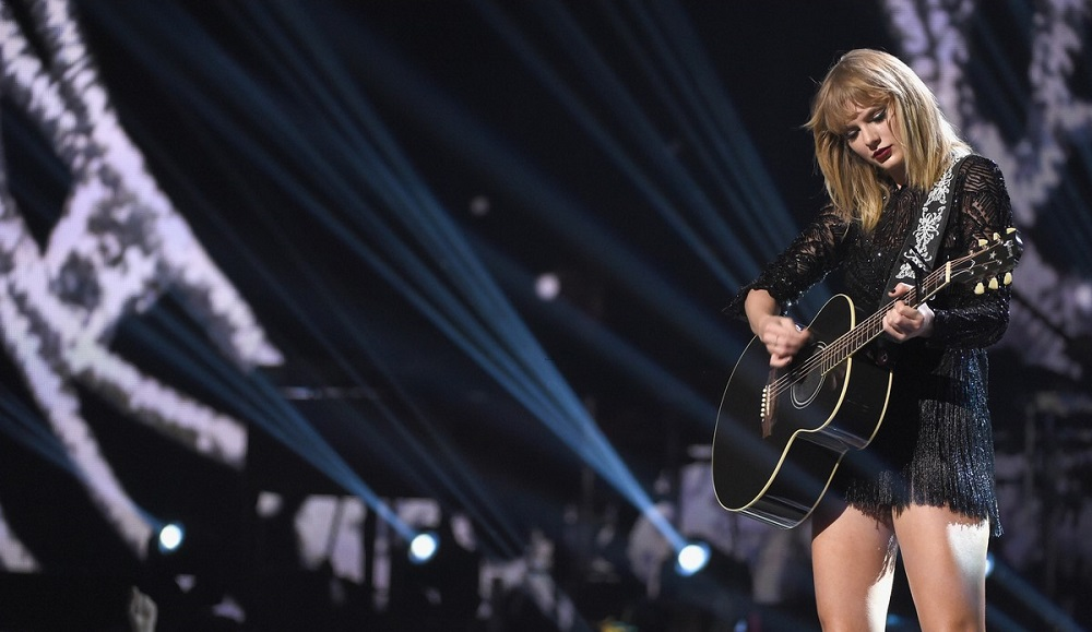 taylor swift concert first and last one of 2017 images