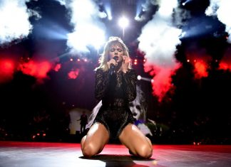 taylor swift performing final concert of 2017