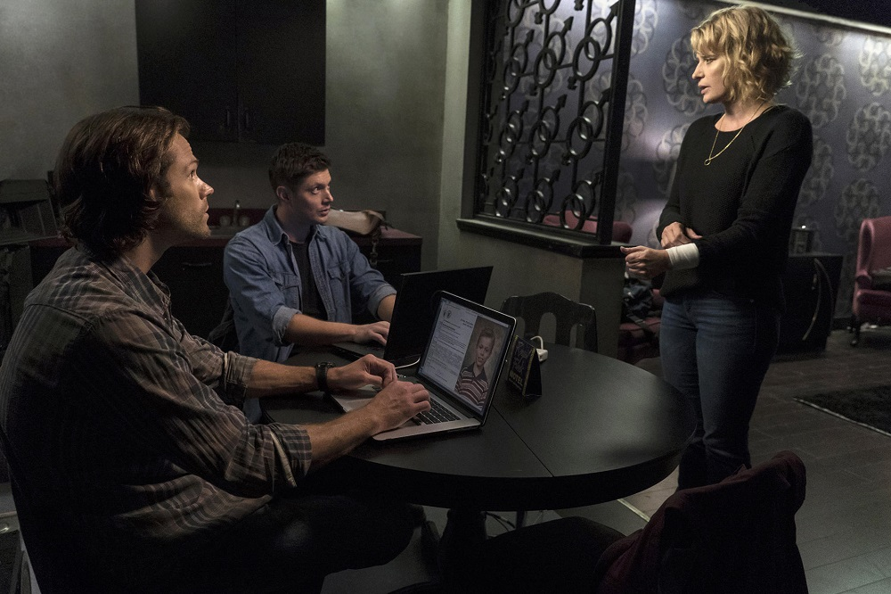 another look at Supernatural the raid forgiving mom 2017 images