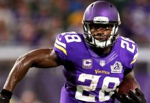 adrian peterson lining up with mark ingram for new orleans saints 2017