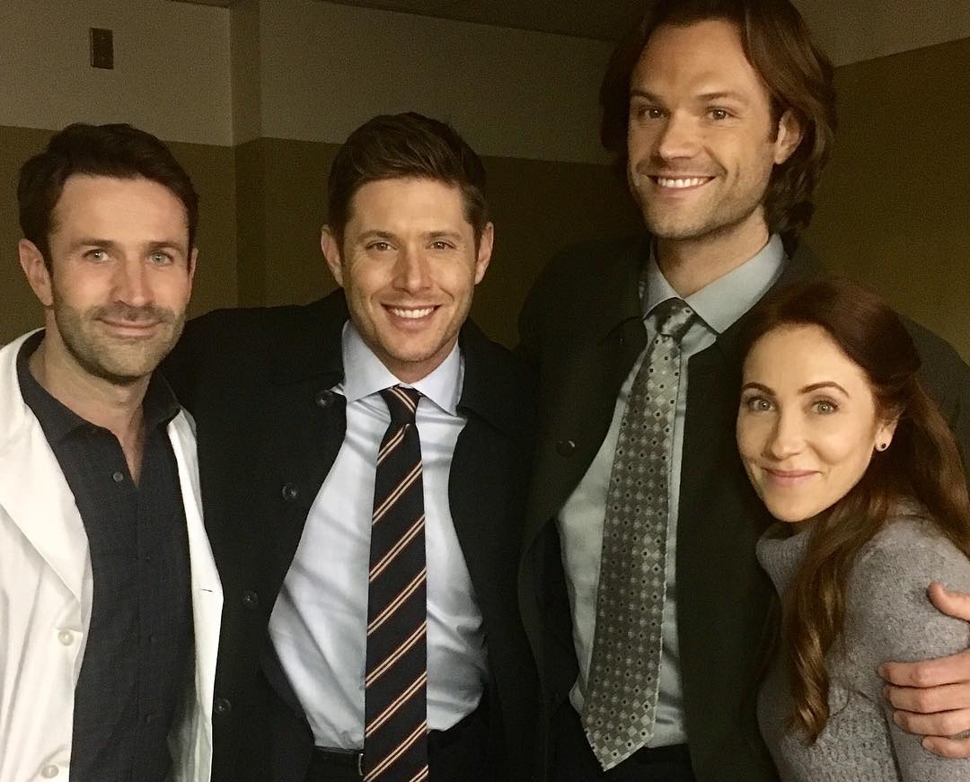 miranda frigon with supernatural cast jensen ackles movie tv tech geeks