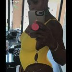 serena williams showing pregnancy