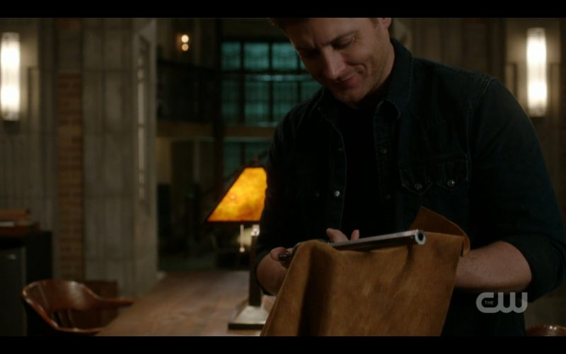 supernatural dean winchster playing with colt rubbing