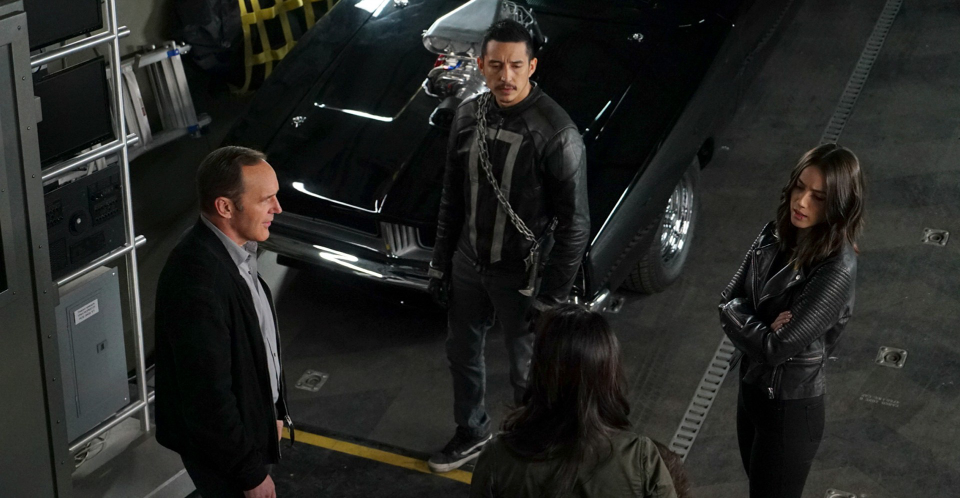 agents of shield johnny blaze ghost rider fighting finale