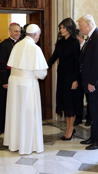 melania trump with pope full length robes