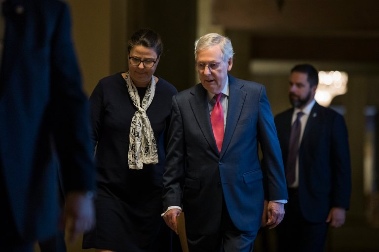 mitch mcconnell publicly fine with donald trumps antics just not privately 2017 images
