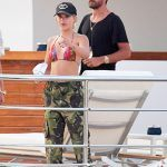 sofia ritchie nixes scott disick rumors