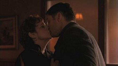 supernatural dean wincheser kissing ezra moore linda darlow movie tv tech geeks