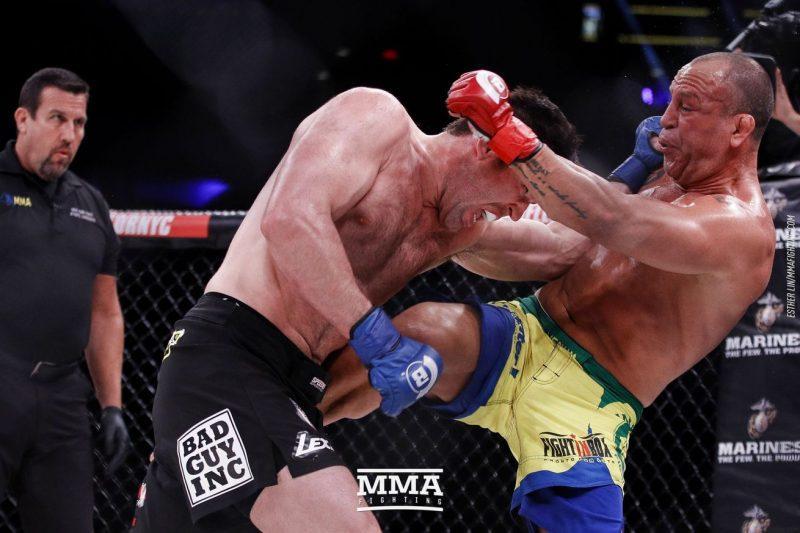 Chael Sonnen vs. Wanderlei Silva mma fight images