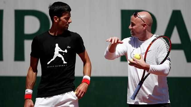 andre agassi sticking with nocak djokovic in wimbledon