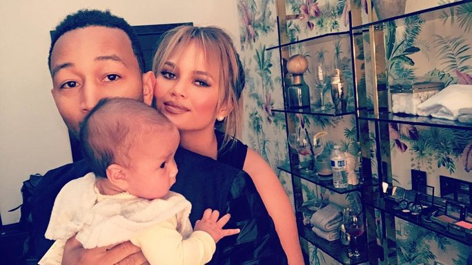 john legend and chrissy teigen baby baseball throw