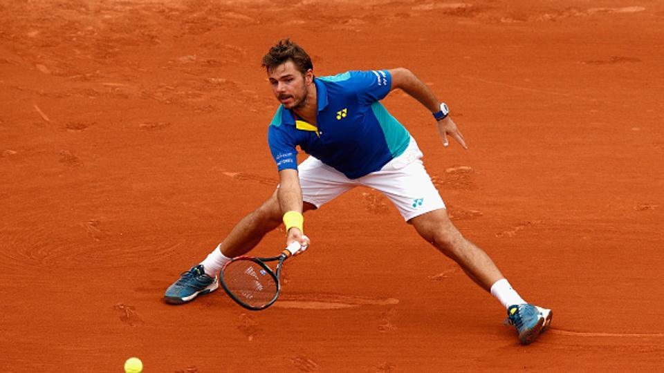 stan wawrinka works hard to advance at french open