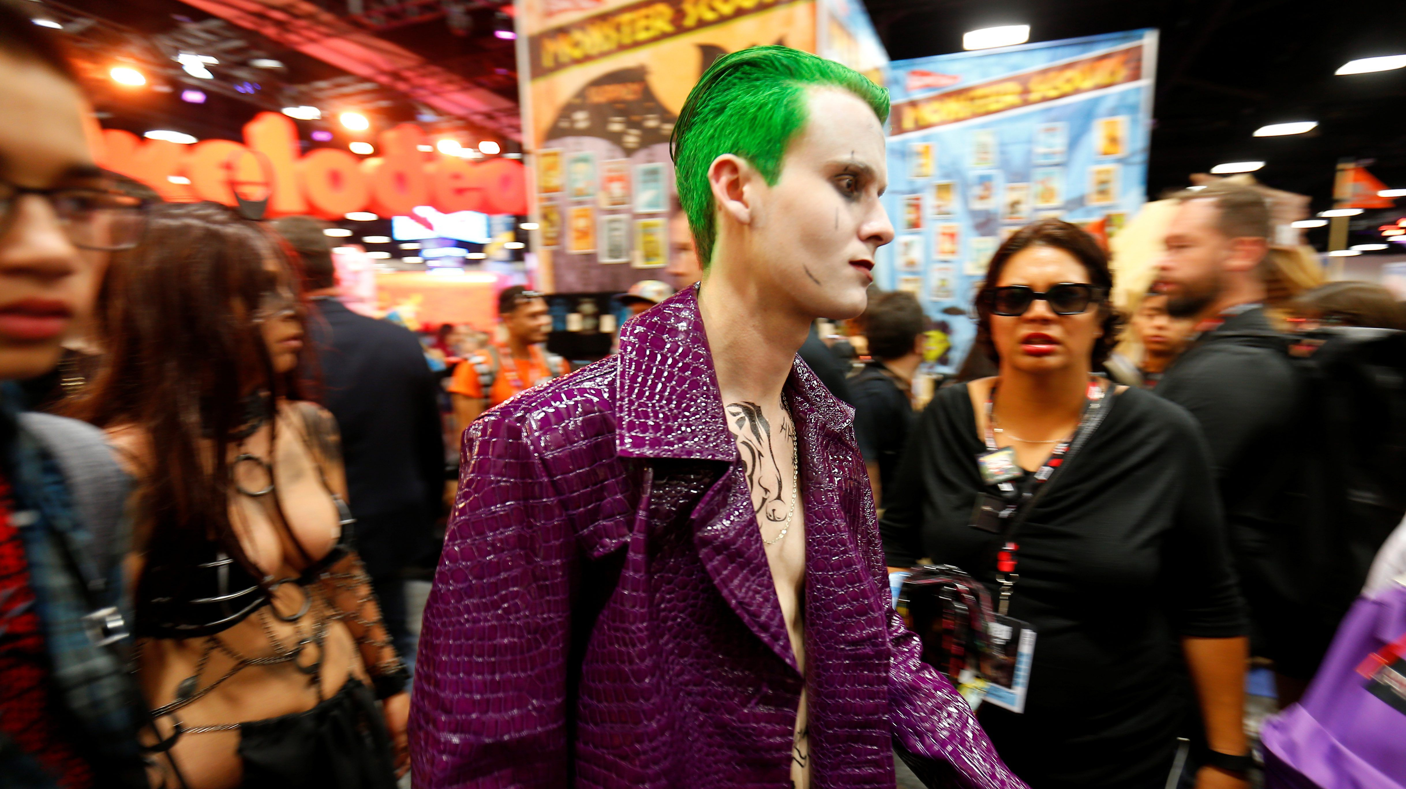Movie Reviews And More San Diego Comic: Preview Night At Comic-Con 2017 Already Meeting