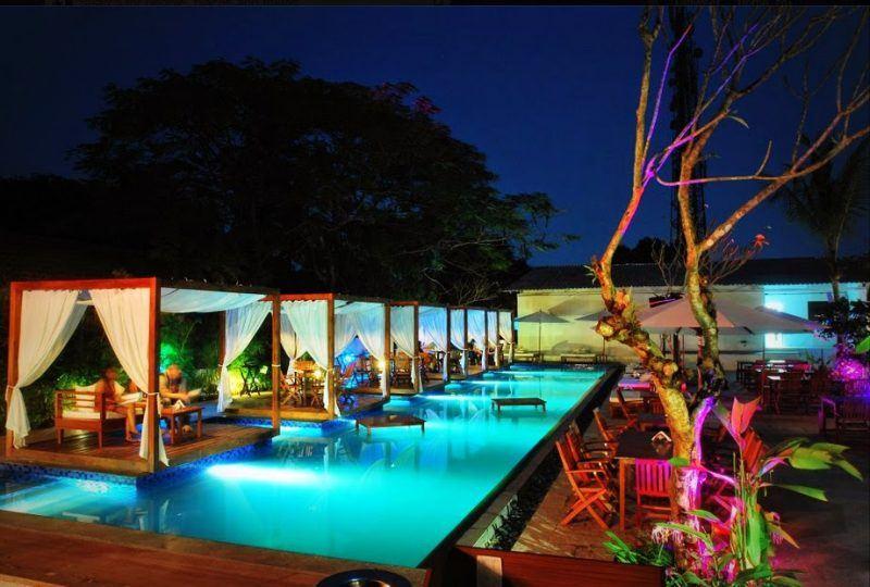 hot summer pool parties