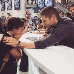 jensen ackles with supernatural fan