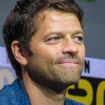 supernatural misha collins comic con little chair panel 2017 768x1024