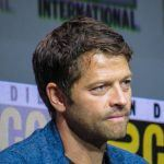supernatural misha collins comic con little chair panel 2017 768x576