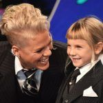 pink with daughter at vmas