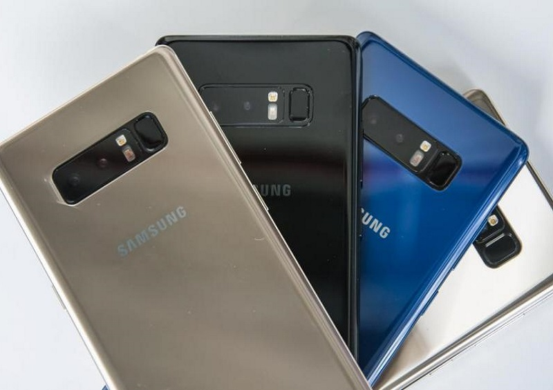 galaxy note 8 side view with stylus