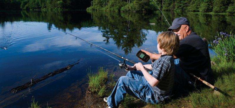 Garmin 010-01550-00 Striker 4 Built-in GPS Fish Finder holiday gift guide ideas 2017