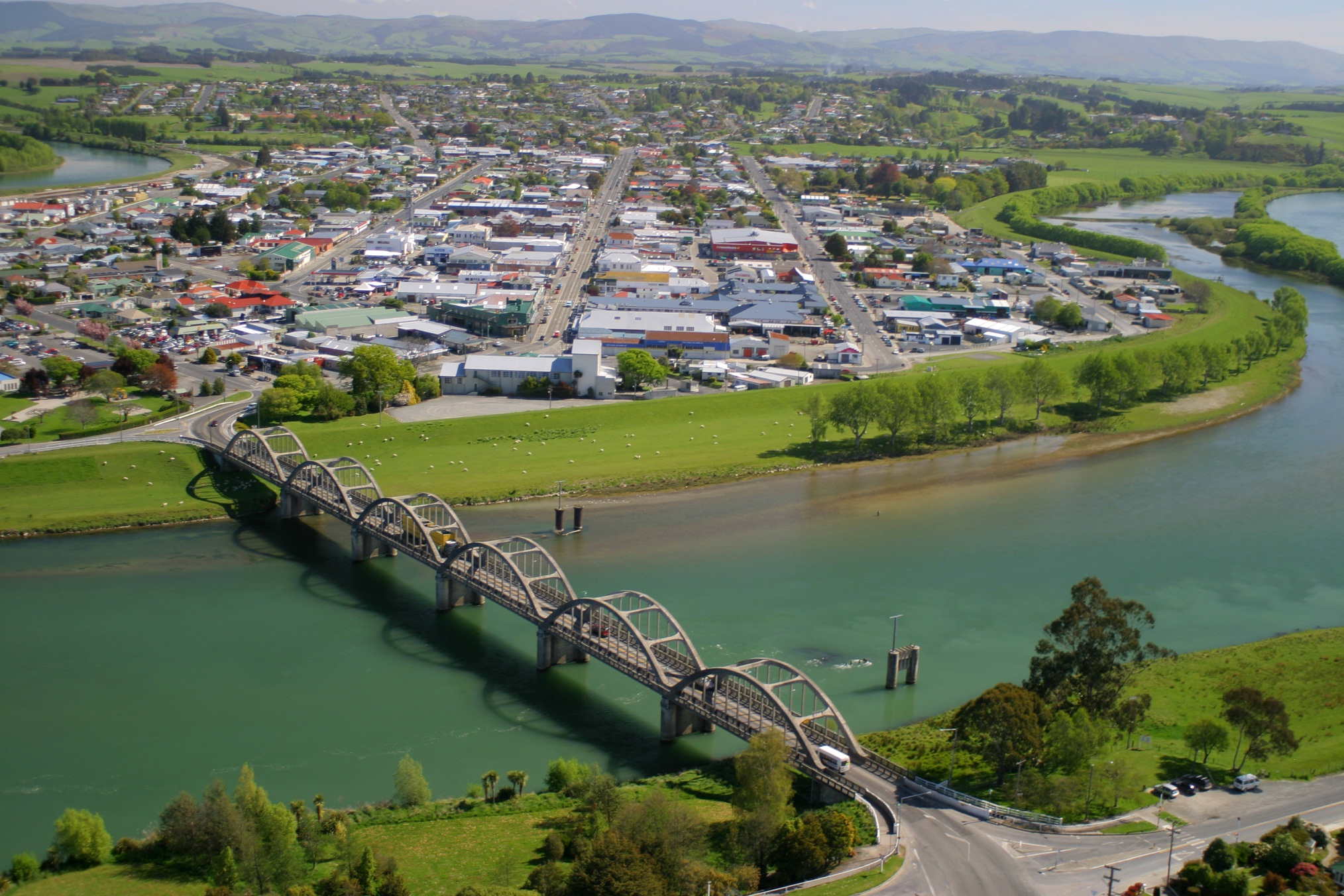 new zealand town gives away home and jobs fake news