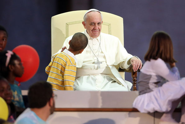 pope francis absolves 2k pedophile priests guilt
