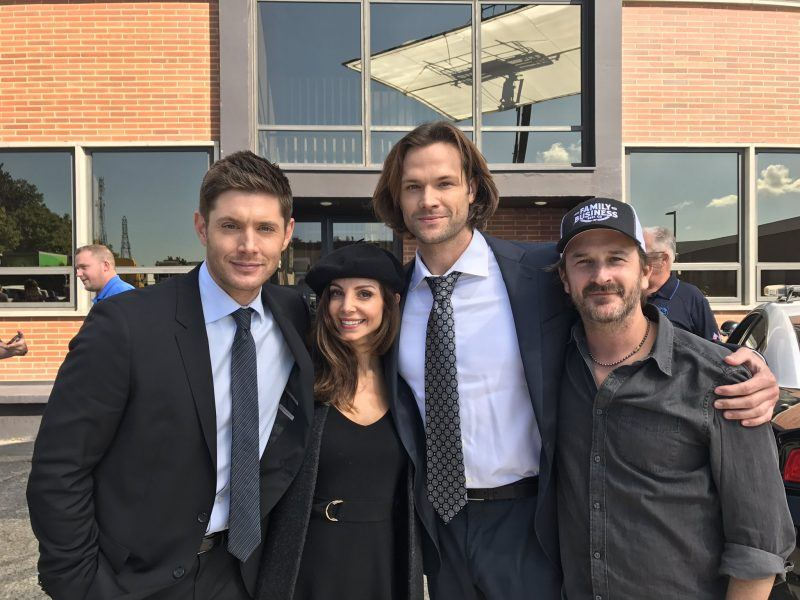 farrah aviva with supernatural jensen ackles jared padalecki movie tv tech geeks