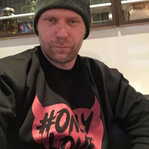 mark pellegrino stomp out bullying only love campaign supernatural