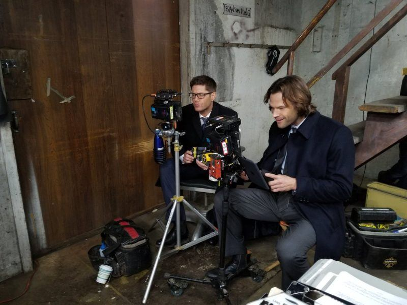 jensen ackles glasses directing supernatural brendan taylor with jared