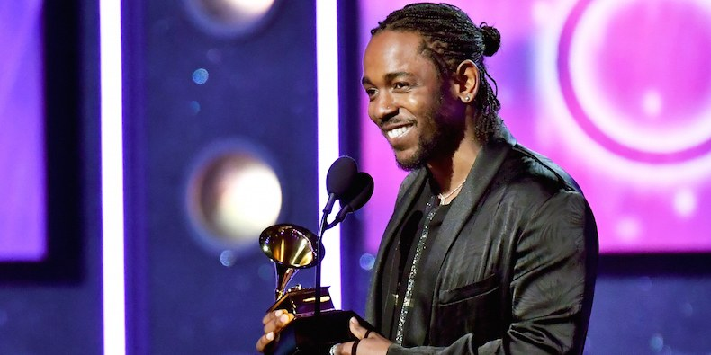 kendrick lamar winning grammy award 2018